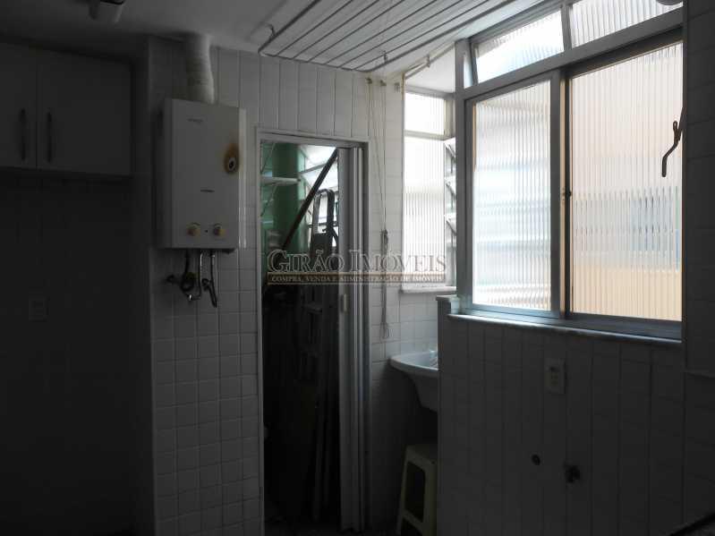 17 - Excelente apartamento 04 quartos (transformado em 3), frente, sol da manhã, andar alto, ótima localização, 02 por andar, composto por 01 hakk de entrada, salão em 02 ambientes, mais uma sala(quarto revertido), 03 quartos, todos com armários sendo 01 suít - GIAP30810 - 19