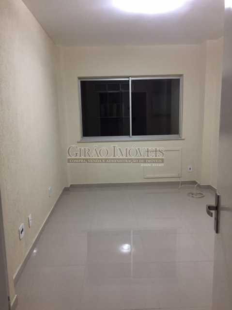 3 - Apartamento duplex, 63m², todo reformado, composto de sala, 01 suíte, 02 banheiros sociais, cozinha, área de serviço, dependências completas, fundos, silencioso, sol da manhã, prédio com elevador - GIAP10403 - 4