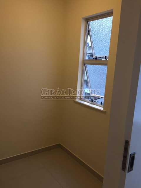6 - Apartamento duplex, 63m², todo reformado, composto de sala, 01 suíte, 02 banheiros sociais, cozinha, área de serviço, dependências completas, fundos, silencioso, sol da manhã, prédio com elevador - GIAP10403 - 7