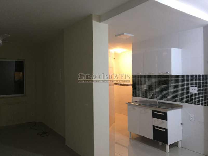9 - Apartamento duplex, 63m², todo reformado, composto de sala, 01 suíte, 02 banheiros sociais, cozinha, área de serviço, dependências completas, fundos, silencioso, sol da manhã, prédio com elevador - GIAP10403 - 14
