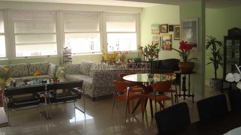 3 - Bolivar transversal valorizada da Praia de Copacabana, 5 quartos, neste preço, com este padrão, só para familias tradicionais e finas - GIAP50008 - 4