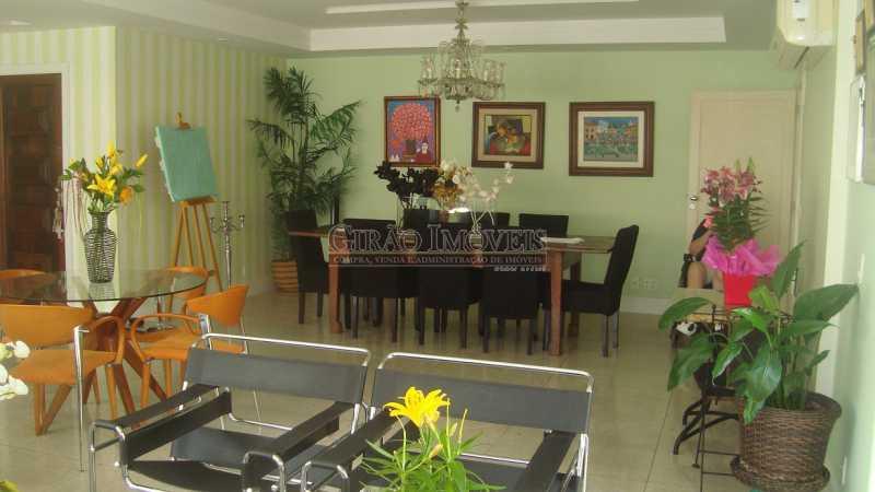 5 - Bolivar transversal valorizada da Praia de Copacabana, 5 quartos, neste preço, com este padrão, só para familias tradicionais e finas - GIAP50008 - 5