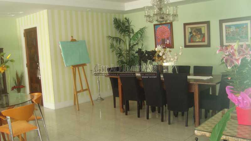 7 - Bolivar transversal valorizada da Praia de Copacabana, 5 quartos, neste preço, com este padrão, só para familias tradicionais e finas - GIAP50008 - 7