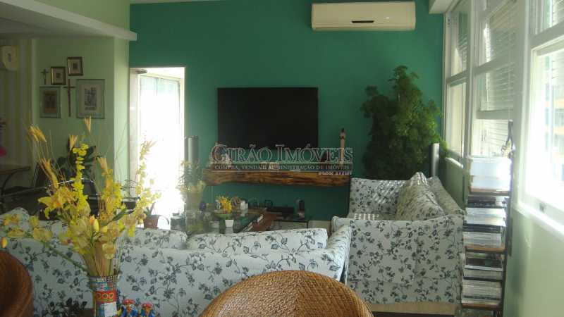 8 - Bolivar transversal valorizada da Praia de Copacabana, 5 quartos, neste preço, com este padrão, só para familias tradicionais e finas - GIAP50008 - 8