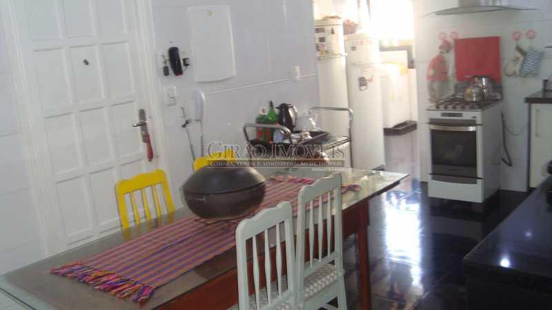 21 - Bolivar transversal valorizada da Praia de Copacabana, 5 quartos, neste preço, com este padrão, só para familias tradicionais e finas - GIAP50008 - 21