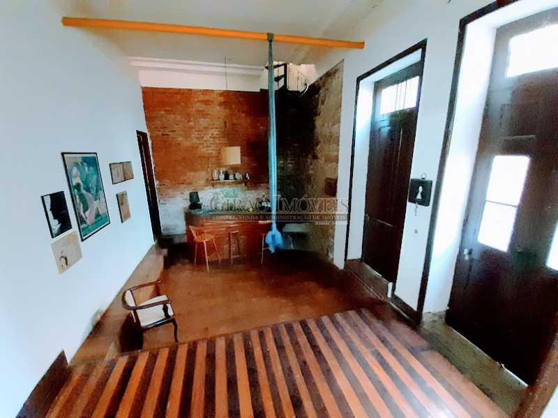 SALA 1 DE ENTRADA - Casarão em Santa Teresa. ótima para morar ou investir como Hostel, pousada ou eventos. - GICA50005 - 6