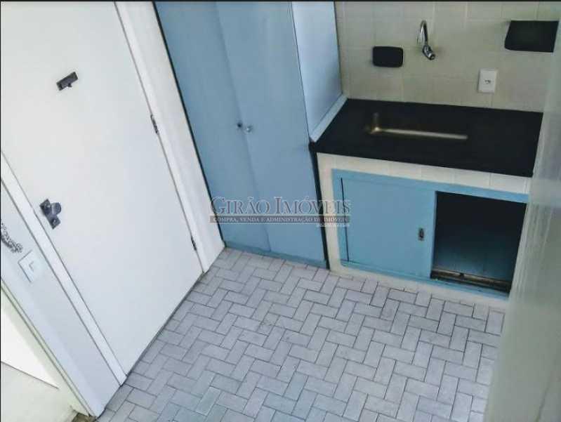 cozinha,; - Apto com vista parcial mar,vazio,claro e bem dividido. Sala ampla,2 quartos,dependência,1 vaga de garagem - GIAP20773 - 17