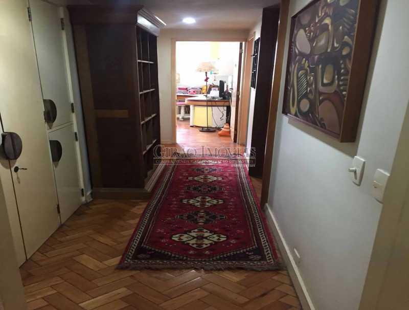 12 - Corredsocial com armário - Apartamento À Venda - Copacabana - Rio de Janeiro - RJ - GIAP30919 - 13