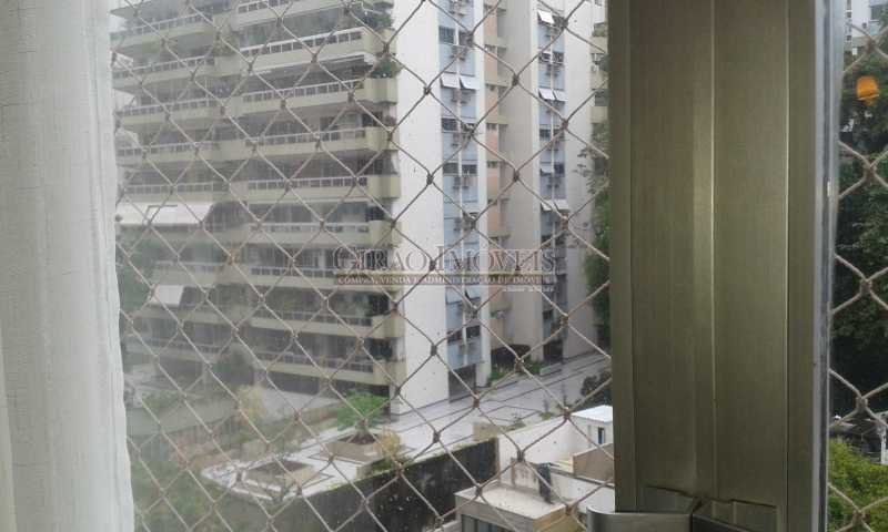 20181109_152823 - Alto Leblon, Edificio centro de terreno, 4 unidades por andar, Portaria 24 horas, Maravilhoso imóvel, original 4 quartos, transformado em 3 para aumento de sala, 1 suite, mais 2 banheiros sociais completos, e mais 1 de serviço, 2 dependencias, que podem - GIAP30970 - 3