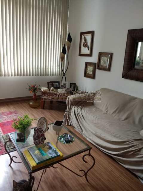 sala. - Cobertura duplex em Ipanema, por este preço? composta por:1 pavimento: salão em 2 ambientes, 2 quartos, escada linear, banheiro social, cozinha com área de serviço, dependência completa de empregada. 2 pavimento: 1 suíte, amplo terraço com vista livre, e - GICO30073 - 9
