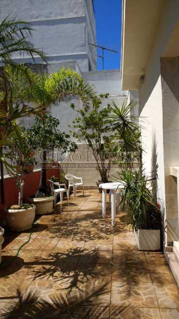 terraço 2. - Cobertura duplex em Ipanema, por este preço? composta por:1 pavimento: salão em 2 ambientes, 2 quartos, escada linear, banheiro social, cozinha com área de serviço, dependência completa de empregada. 2 pavimento: 1 suíte, amplo terraço com vista livre, e - GICO30073 - 10