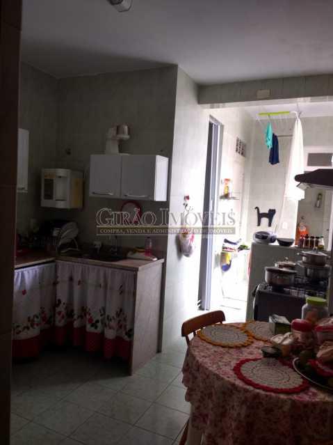 copa 1. - Cobertura duplex em Ipanema, por este preço? composta por:1 pavimento: salão em 2 ambientes, 2 quartos, escada linear, banheiro social, cozinha com área de serviço, dependência completa de empregada. 2 pavimento: 1 suíte, amplo terraço com vista livre, e - GICO30073 - 16