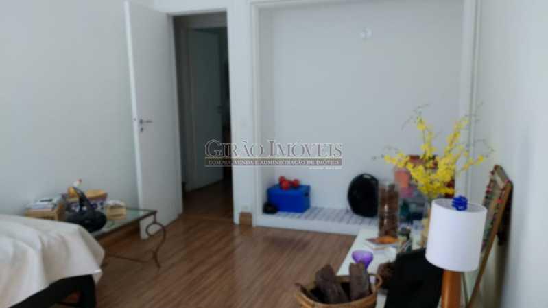 quarto 3. - Cobertura duplex em Ipanema, por este preço? composta por:1 pavimento: salão em 2 ambientes, 2 quartos, escada linear, banheiro social, cozinha com área de serviço, dependência completa de empregada. 2 pavimento: 1 suíte, amplo terraço com vista livre, e - GICO30073 - 19