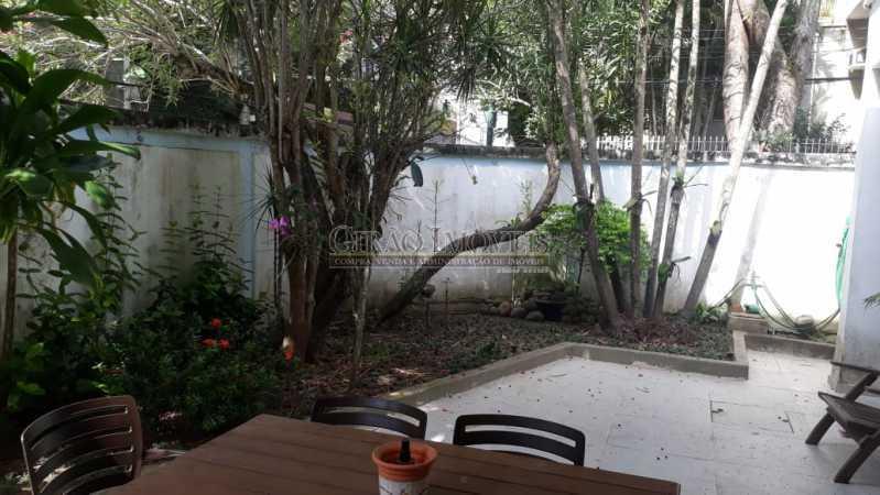 c36fbdcd-9d57-467b-a622-31b1cd - Casa triplex no Jardim Botanico, 05 quartos sendo 02 suítes, vaga para 04 carros. - GICN50003 - 28