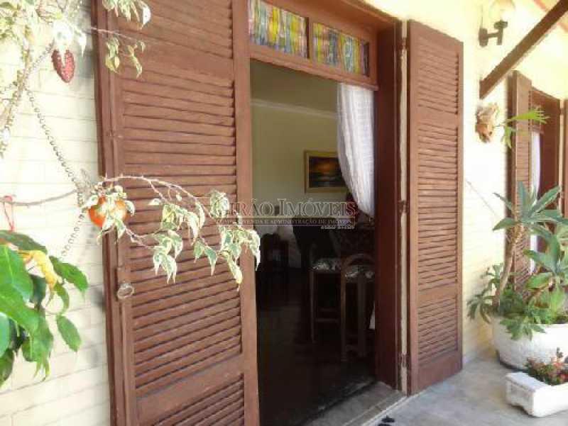 14 - Cobertura duplex em excelente localização, 04 quartos(01 suíte) e 01 vaga de garagem - GICO40075 - 16
