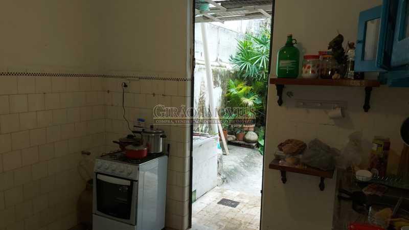 18 - Excelente casa em Laranjeiras, tombada pelo decreto de César Maia(1997), 03 quartos, servindo para moradia ou comércio. - GICA30017 - 19