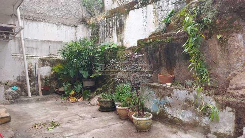 24 - Excelente casa em Laranjeiras, tombada pelo decreto de César Maia(1997), 03 quartos, servindo para moradia ou comércio. - GICA30017 - 25