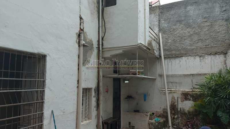 28 - Excelente casa em Laranjeiras, tombada pelo decreto de César Maia(1997), 03 quartos, servindo para moradia ou comércio. - GICA30017 - 29