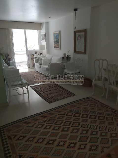 2 - Apartamento com 02 quartos(01 suíte), varandas, dependências completas, 01 vaga de garagem. - GIAP21292 - 5