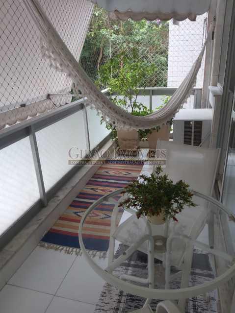 4 - Apartamento com 02 quartos(01 suíte), varandas, dependências completas, 01 vaga de garagem. - GIAP21292 - 3