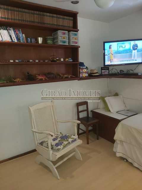 13 - Apartamento com 02 quartos(01 suíte), varandas, dependências completas, 01 vaga de garagem. - GIAP21292 - 16