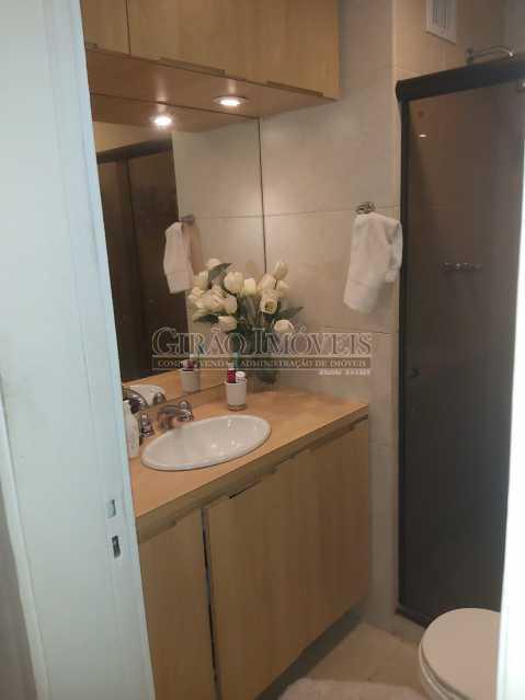 16 - Apartamento com 02 quartos(01 suíte), varandas, dependências completas, 01 vaga de garagem. - GIAP21292 - 18