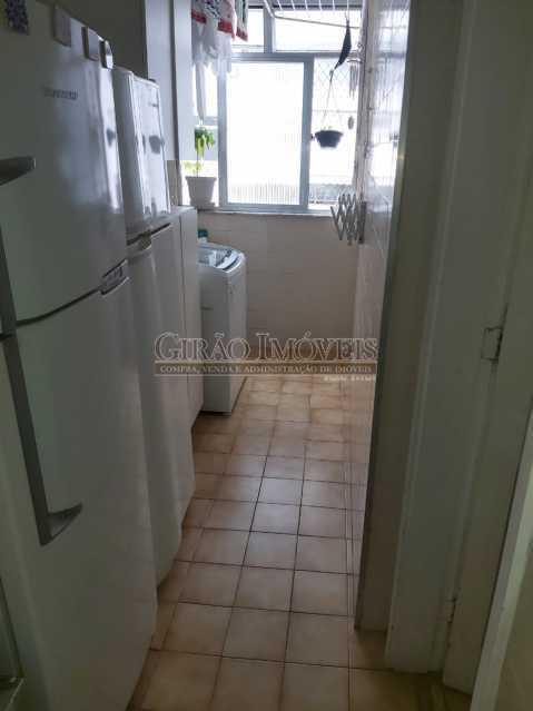 18 - Apartamento com 02 quartos(01 suíte), varandas, dependências completas, 01 vaga de garagem. - GIAP21292 - 22