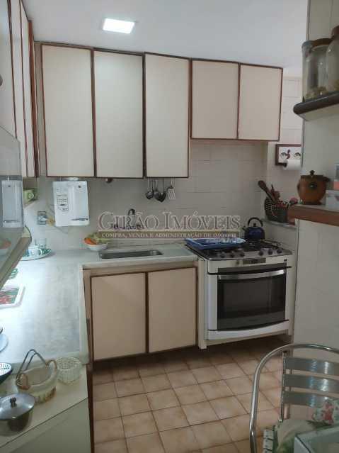 19 - Apartamento com 02 quartos(01 suíte), varandas, dependências completas, 01 vaga de garagem. - GIAP21292 - 21