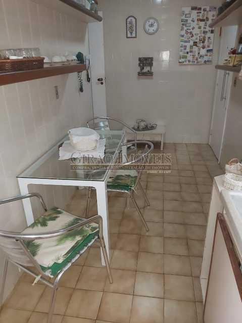 20 - Apartamento com 02 quartos(01 suíte), varandas, dependências completas, 01 vaga de garagem. - GIAP21292 - 23