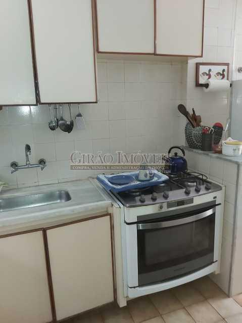 23 - Apartamento com 02 quartos(01 suíte), varandas, dependências completas, 01 vaga de garagem. - GIAP21292 - 24