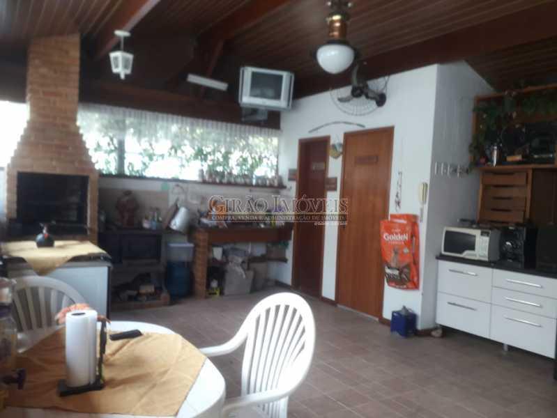 18 - Casa em condomínio, porteiro 24 horas, luxuosa, 04 suítes, cozinha americana, lavanderia, despensa, lareira, forno a lenha. - GICN40014 - 20