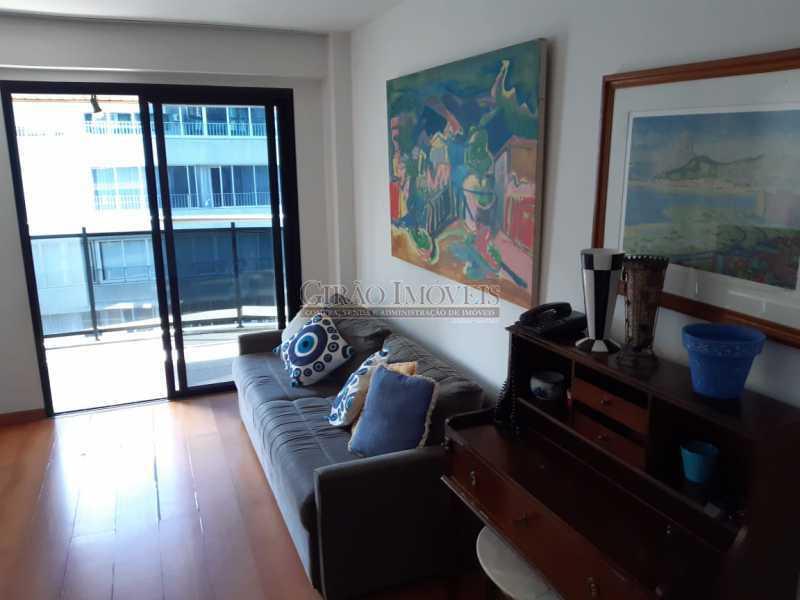 3 - Apart-Hotel, com 55m², todo mobiliado, juntinho ao Arpoador, sala e quarto com 01 vaga de garagem. - GIFL10049 - 6