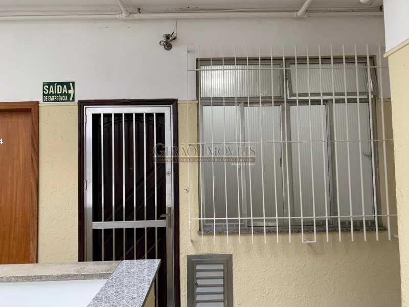 19 - Quarto e sala em ótima localização, próximo a estação do Metrô Arcoverde e praia de Copacabana. - GIAP10724 - 17