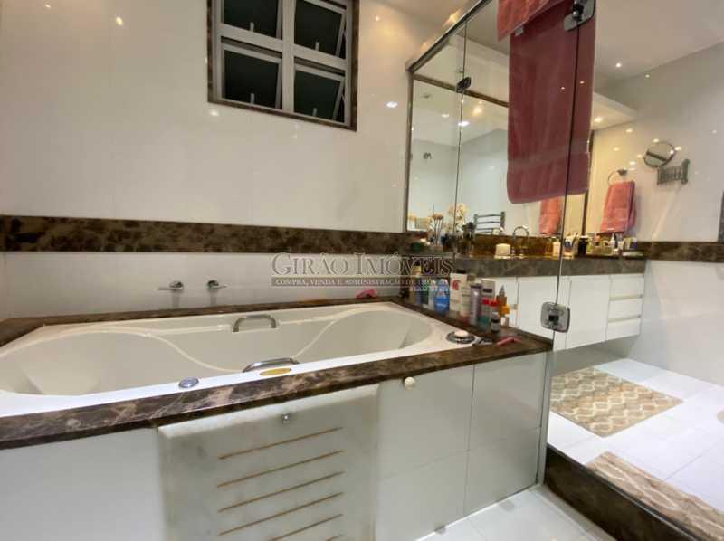 BANHEIRO DE UMA DAS SUÍTES - Apartamento 4 quartos para venda e aluguel Leme, Rio de Janeiro - R$ 6.000.000 - GIAP40380 - 11