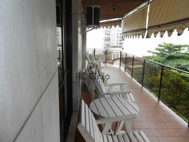 2a - Cobertura duplex, 03 quartos (01 suíte), piscina, dependências completas, 01 vaga de garagem na escritura. - GICO30026 - 1