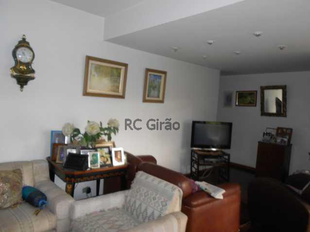 3 - Cobertura duplex, 03 quartos (01 suíte), piscina, dependências completas, 01 vaga de garagem na escritura. - GICO30026 - 8