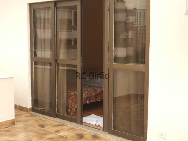 19 - Cobertura duplex, 03 quartos (01 suíte), piscina, dependências completas, 01 vaga de garagem na escritura. - GICO30026 - 24