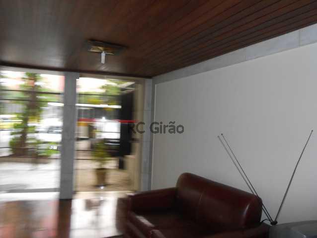 23 - Cobertura duplex, 03 quartos (01 suíte), piscina, dependências completas, 01 vaga de garagem na escritura. - GICO30026 - 26