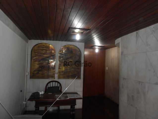 24 - Cobertura duplex, 03 quartos (01 suíte), piscina, dependências completas, 01 vaga de garagem na escritura. - GICO30026 - 27