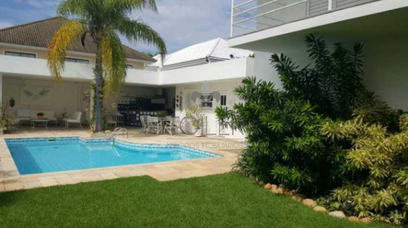 01 - Casa em Condominio Rua Zeno Zani,Barra da Tijuca,Rio de Janeiro,RJ Para Venda e Aluguel,4 Quartos,600m² - BT-ZZ4001 - 1