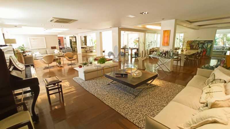 01 - Casa em Condominio Avenida das Américas,Barra da Tijuca,Rio de Janeiro,RJ À Venda,6 Quartos,900m² - BR-AA6001 - 1