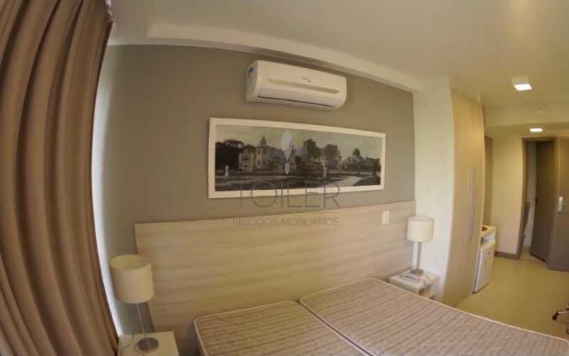 15 - Flat à venda Avenida das Américas,Recreio dos Bandeirantes, Rio de Janeiro - R$ 350.000 - RE-AA1001 - 16
