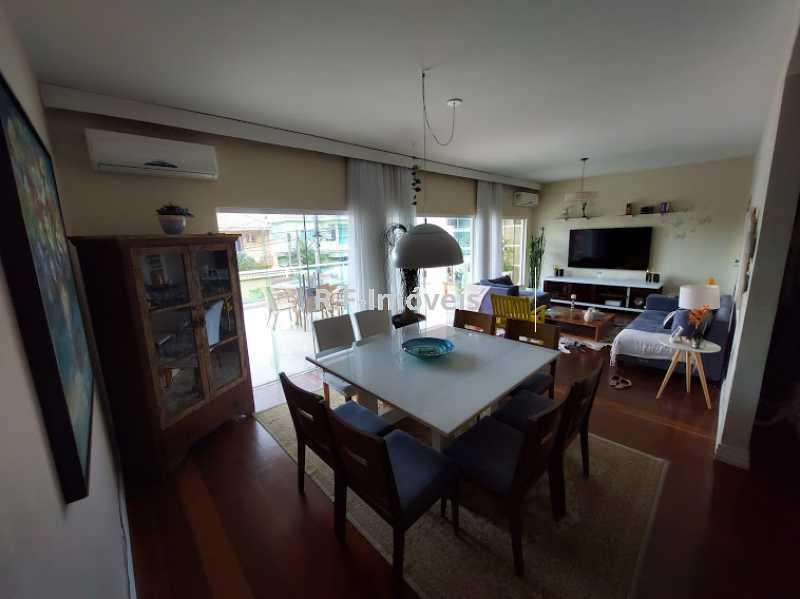 20210518_103631 - Casa em Condomínio à venda Rua Porto Salvo,Vila Valqueire, Rio de Janeiro - R$ 1.900.000 - RF243 - 3