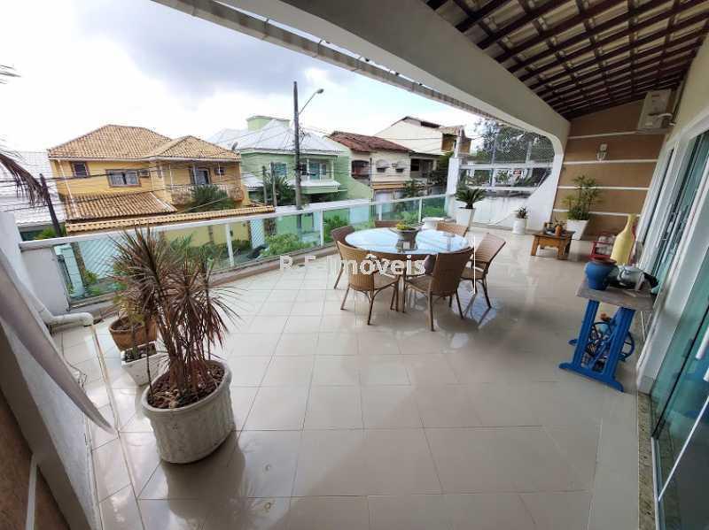 20210518_103728 - Casa em Condomínio à venda Rua Porto Salvo,Vila Valqueire, Rio de Janeiro - R$ 1.900.000 - RF243 - 5
