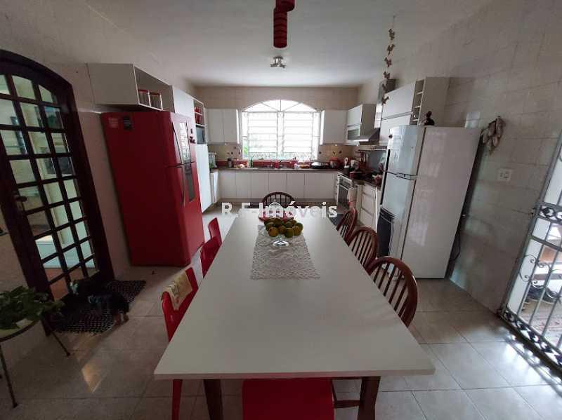 20210518_104125 - Casa em Condomínio à venda Rua Porto Salvo,Vila Valqueire, Rio de Janeiro - R$ 1.900.000 - RF243 - 10