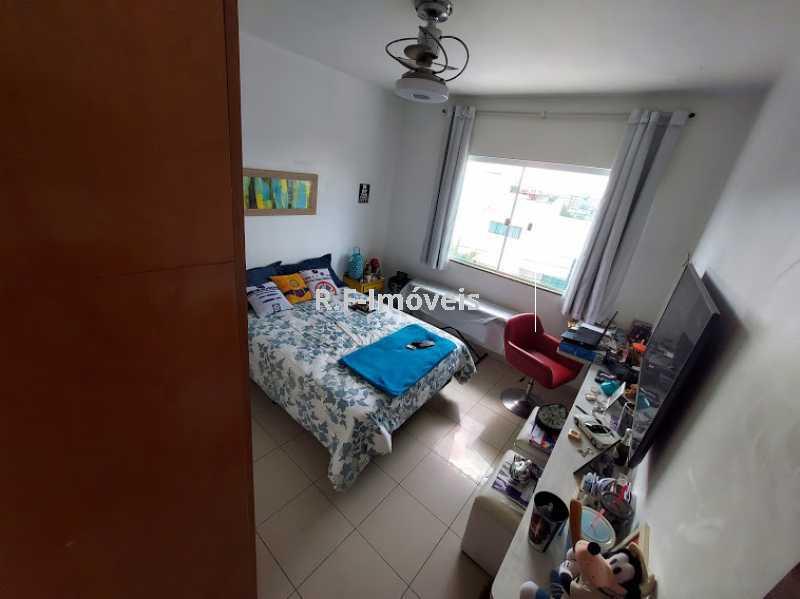 20210518_104429 - Casa em Condomínio à venda Rua Porto Salvo,Vila Valqueire, Rio de Janeiro - R$ 1.900.000 - RF243 - 13