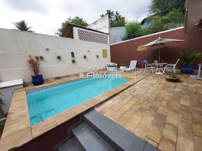 20210518_105326 - Casa em Condomínio à venda Rua Porto Salvo,Vila Valqueire, Rio de Janeiro - R$ 1.900.000 - RF243 - 28