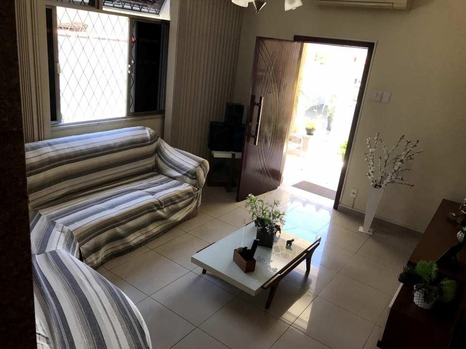 FOTO 9 - Casa à venda Rua Jabitaca,Vila Valqueire, Rio de Janeiro - R$ 950.000 - RF207 - 10