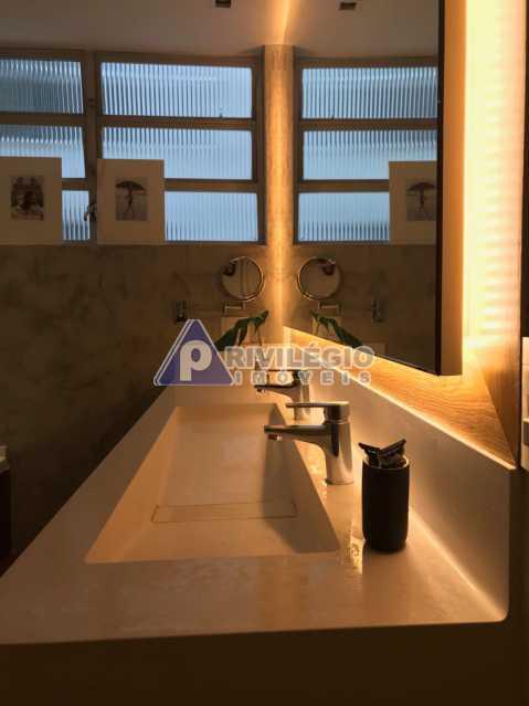Av Pasteur 8. - Botafogo - Espetacular apartamento com vista Baía de Guanabara, totalmente reformado por Arquiteto, 4 quartos com 2 vagas de garagem. - LOAP40001 - 20