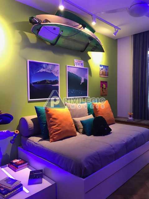 Av Pasteur 18. - Botafogo - Espetacular apartamento com vista Baía de Guanabara, totalmente reformado por Arquiteto, 4 quartos com 2 vagas de garagem. - LOAP40001 - 8